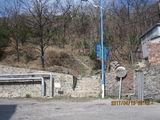 自948路大安山矿公交站沿公路一直向西北大约900米到这个上山的小路口