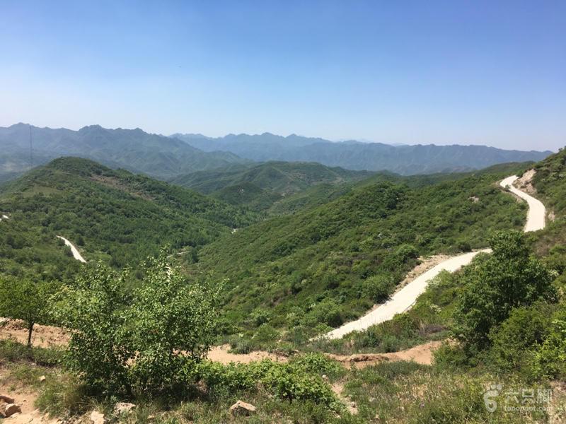 长峪城登山步道,观星路线向西看,有防火道