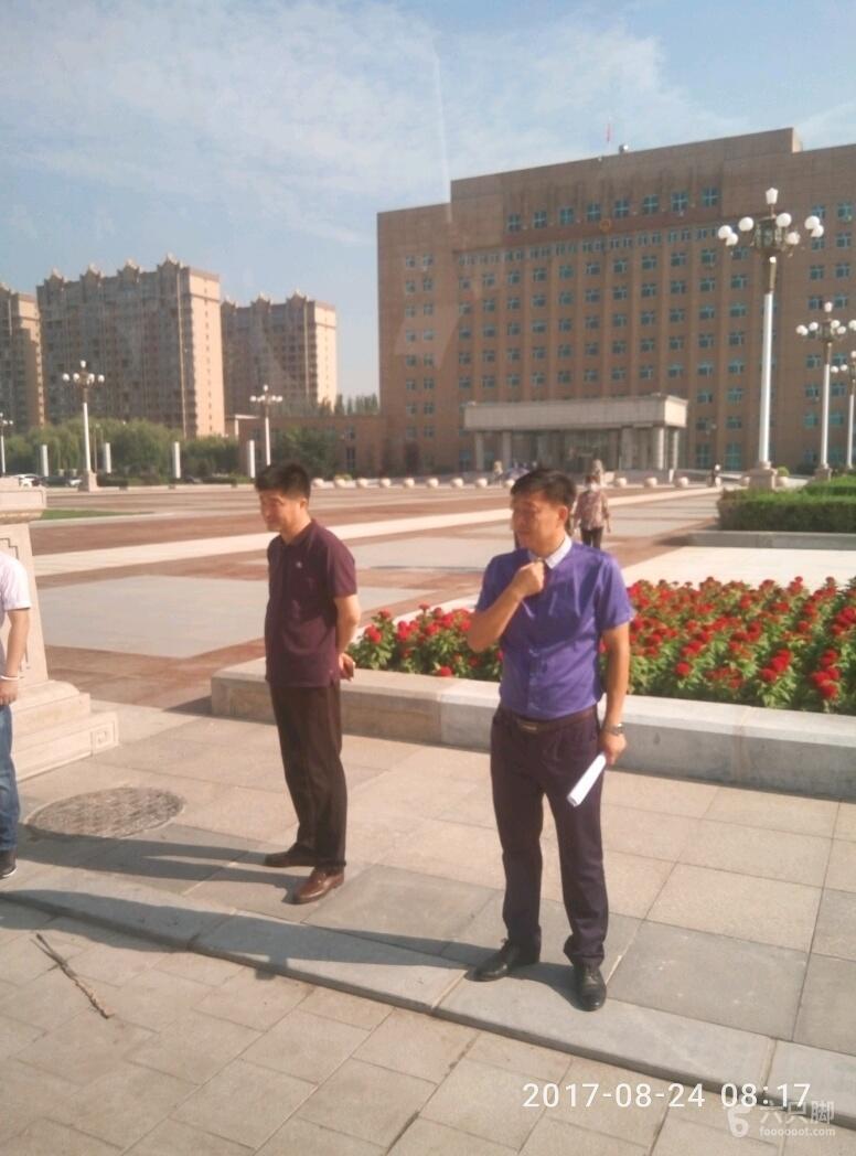 海城项目检查兴海广场基本竣工2000