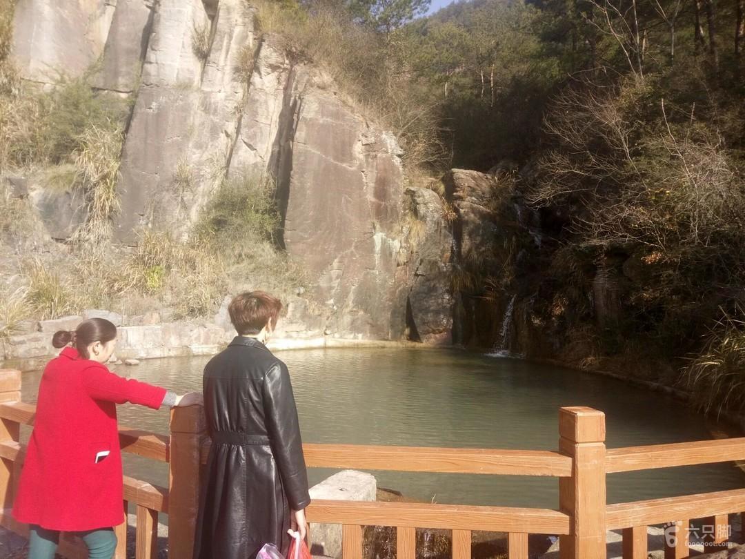 东阳落鹤山风景区(逃票路)2018-03-01 登山1
