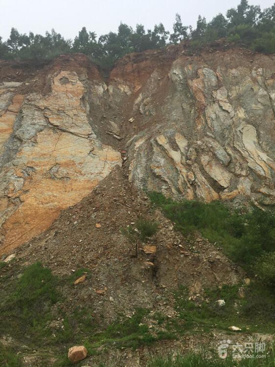 地质灾害脚印-30崩塌近 滑坡远高 节理切割 自重作用