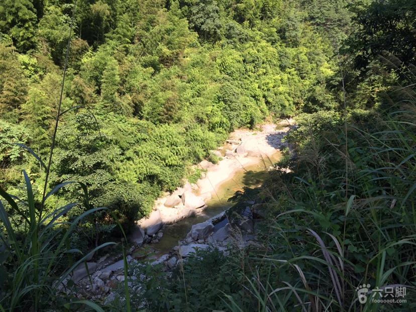 【路向标】原始清新的宜春温汤明月山十里峡俯瞰峡谷