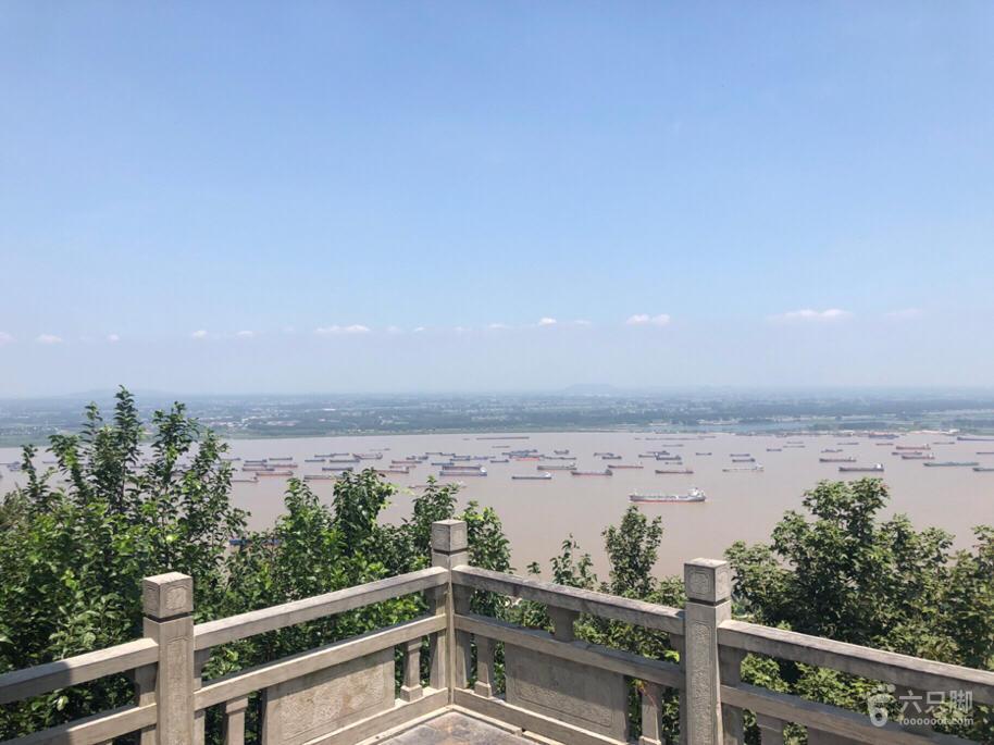 栖霞山登高临江脚印-3