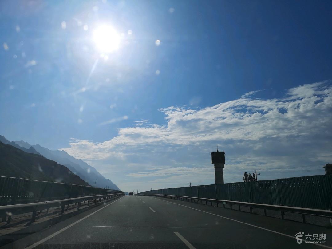 新疆自驾游弟十六天:乌拉特前旗——北京吃完早餐,开车上g6京藏高速