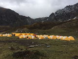 第四日營地-俄噶,由于昨晚下了大雪本來計劃取消今日行程,但下午開始變晴天。13點38分出發,16點05分抵達營地!由于有一段碎石路,因此比較難走。