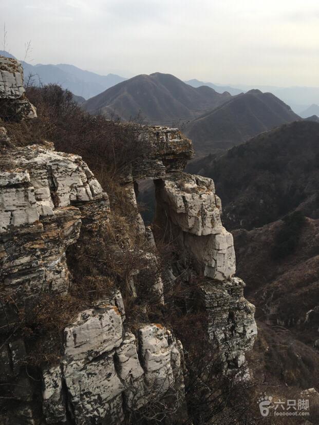 涞源长城:杨家川-石城安-插箭岭脚印-8,石头方孔