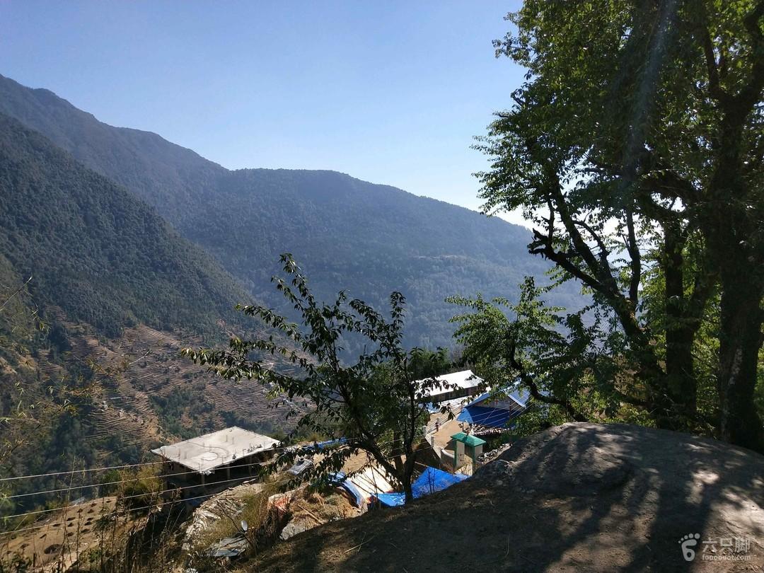 尼泊尔 abc山上去程开始徒步