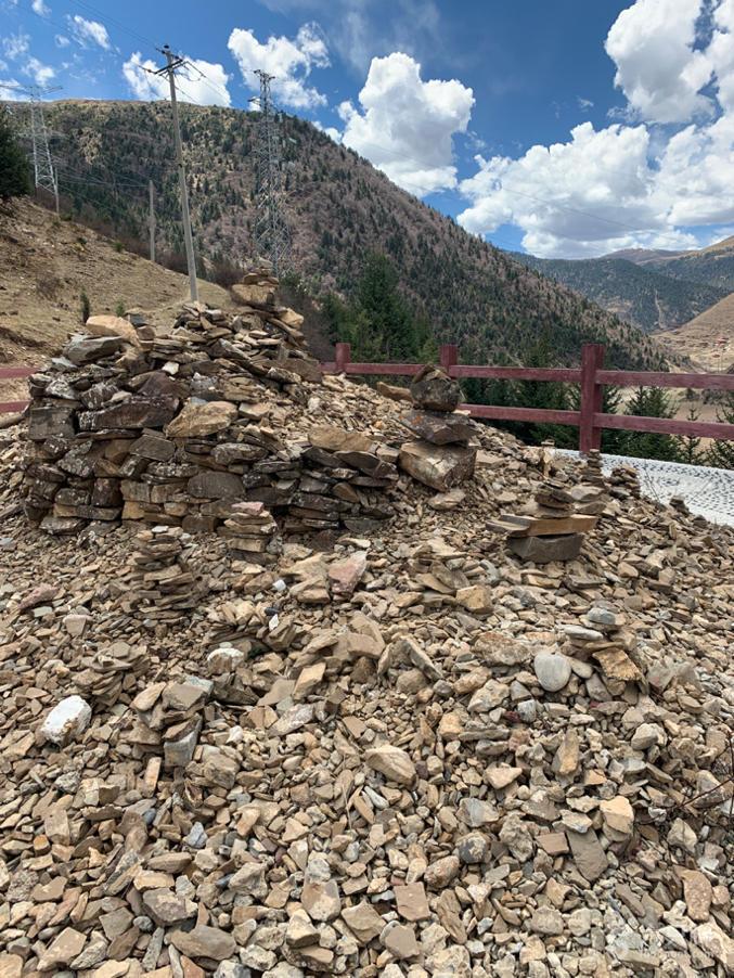 翁达格萨尔藏寨观景台