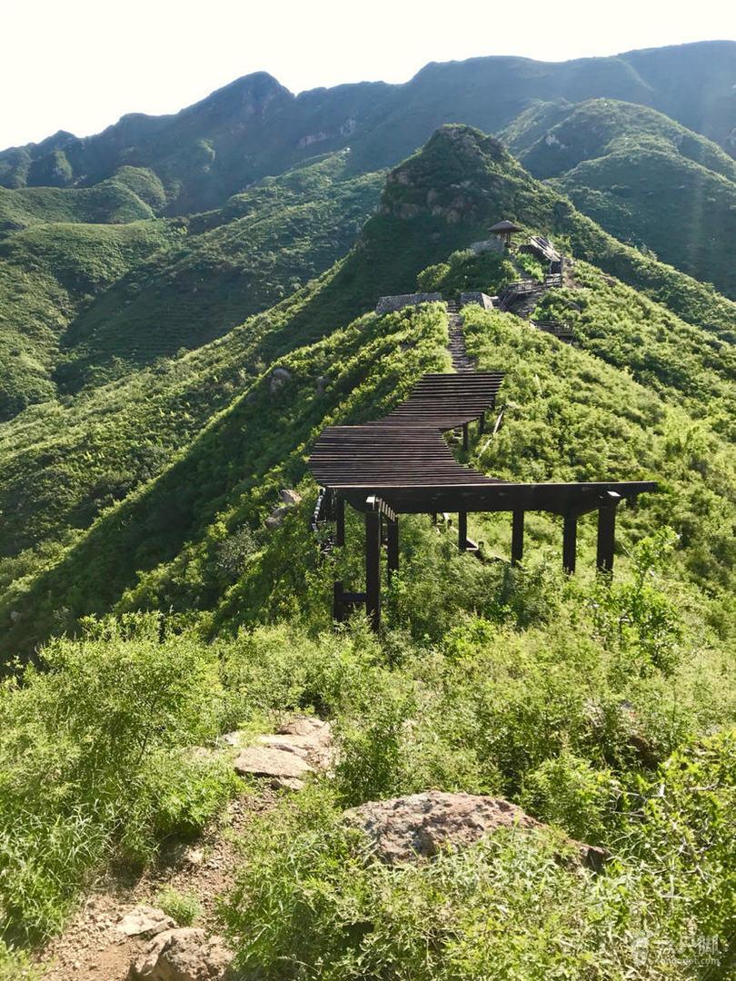 茶棚 骆驼峰  降魔顶 双佛山  鞑子沟 茶棚脚印-7骆驼峰上的休息长廊。