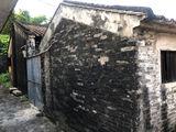 老旧建筑一层。